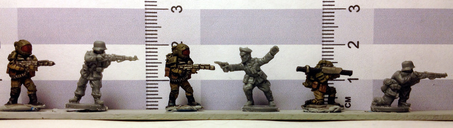 Size_comparison_FoW_Rebel_minis_sci_fi